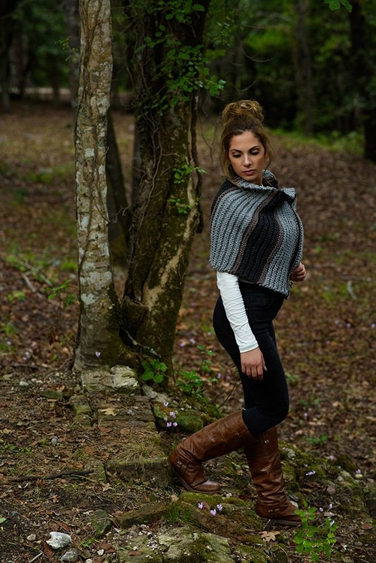 Outlander Brianna cape knit in grey, brown and black