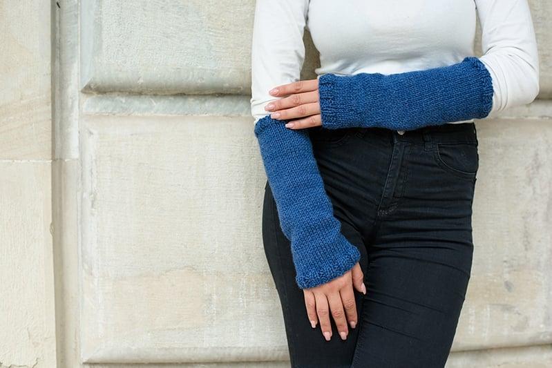 easy knit arm warmers like Claire wears in Outlander