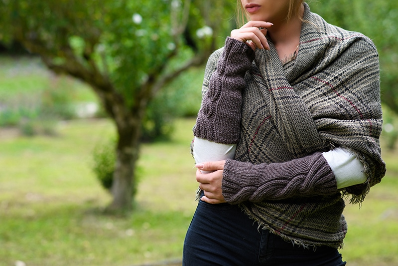 Outlander Claire cable arm warmers