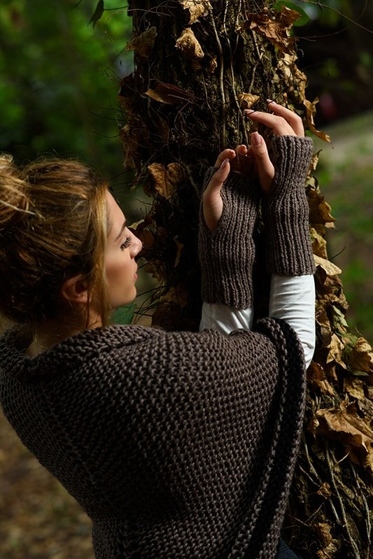 Outlander Claire fingerless gloves and shawl