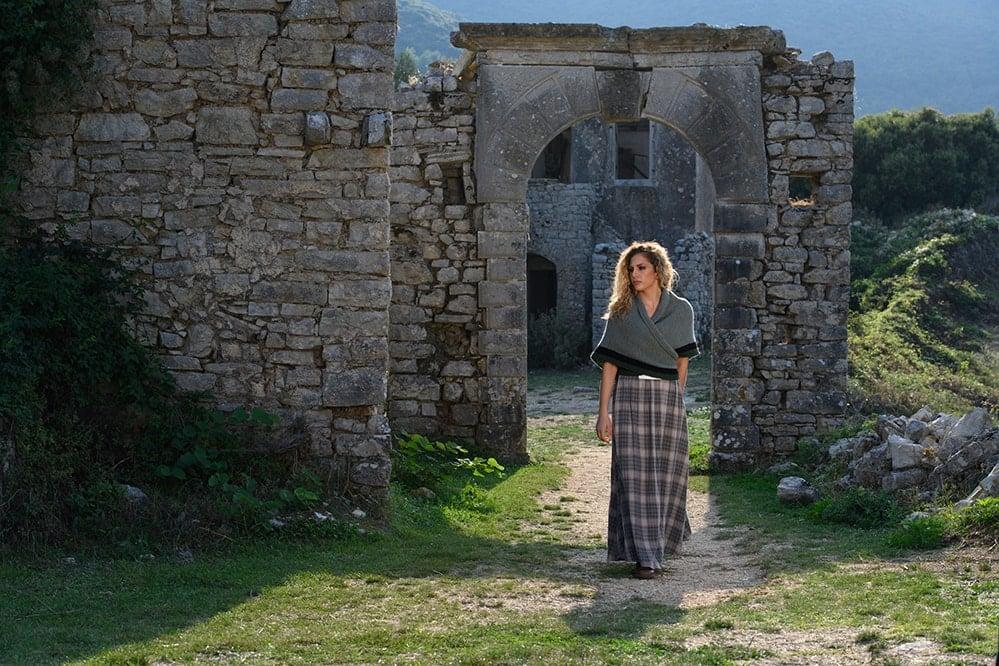 Outlander Claire Rent Shawl