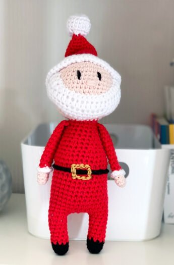 Crochet Santa Pattern {Christmas Crochet}