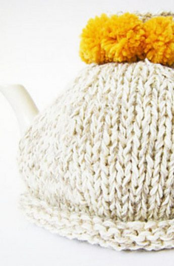 Tea Cosy Pattern {Simple Pom Pom}