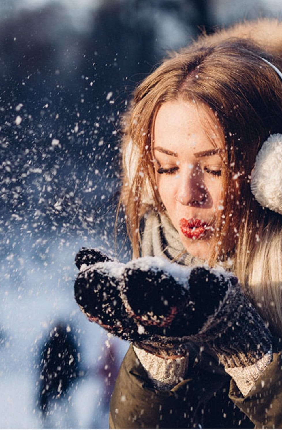 10 Tips For Staying Warm And Cosy In Winter Weather