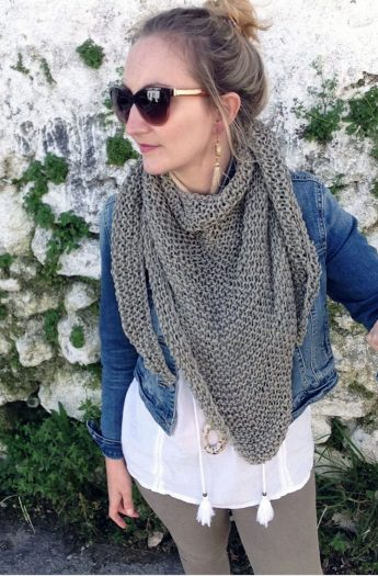How To Knit An Easy Triangle Scarf
