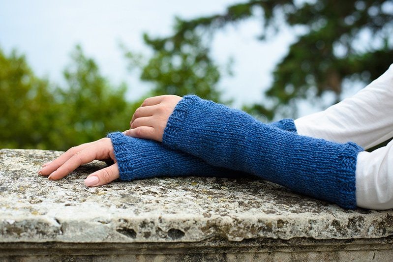 Outlander Claire blue knitted arm warmers