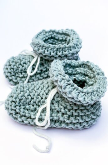 How To Knit Baby Booties {Step By Step}