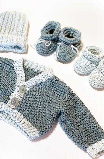 Baby Cardigan Knitting Pattern {For Beginners}