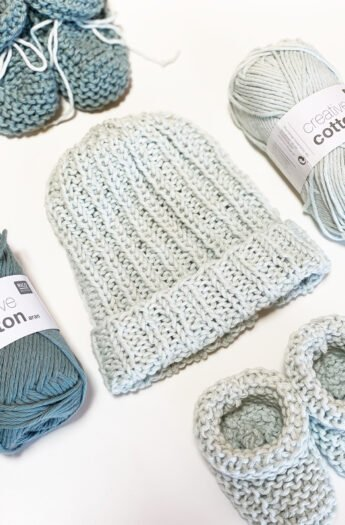 How To Knit A Baby Hat {Straight Needles}