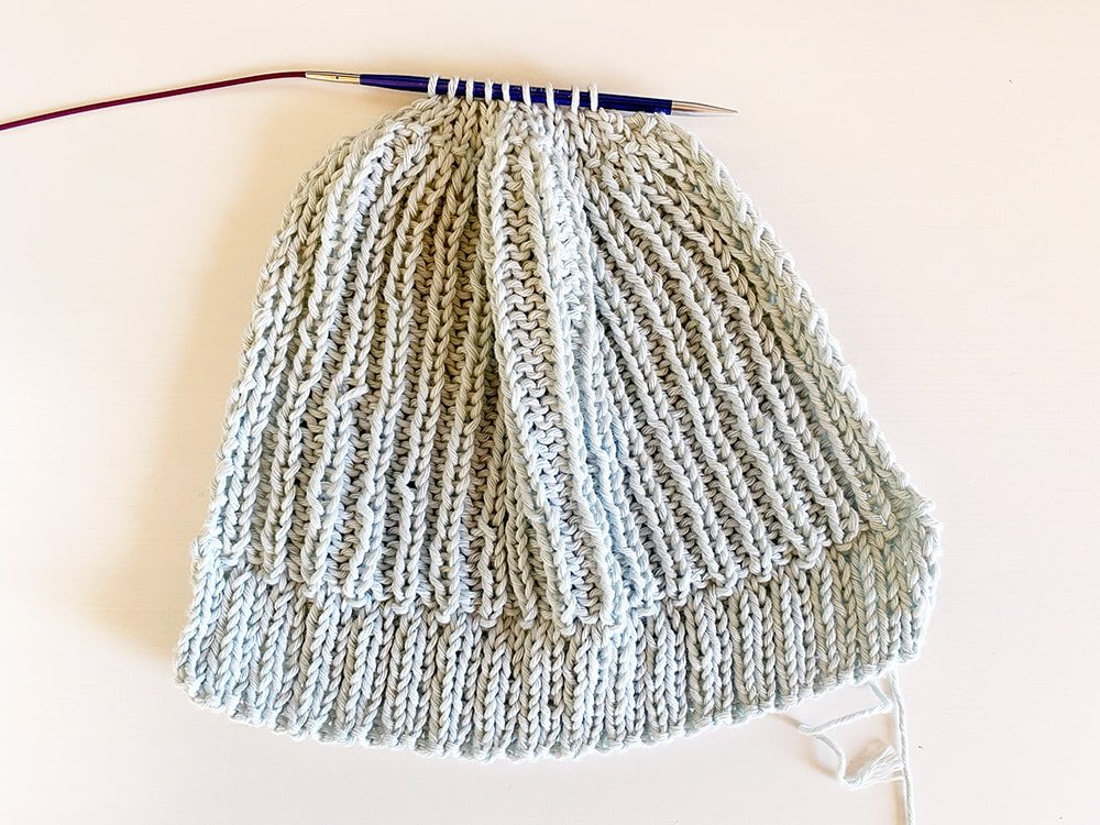 baby hat tutorial step 3