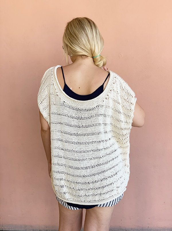 back view of the dropped stitch knit top