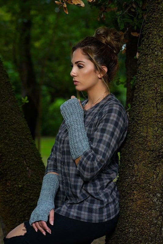 Outlander inspired knitted fingerless gloves
