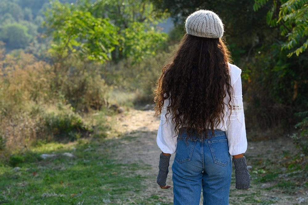 knitted-beret-back-view