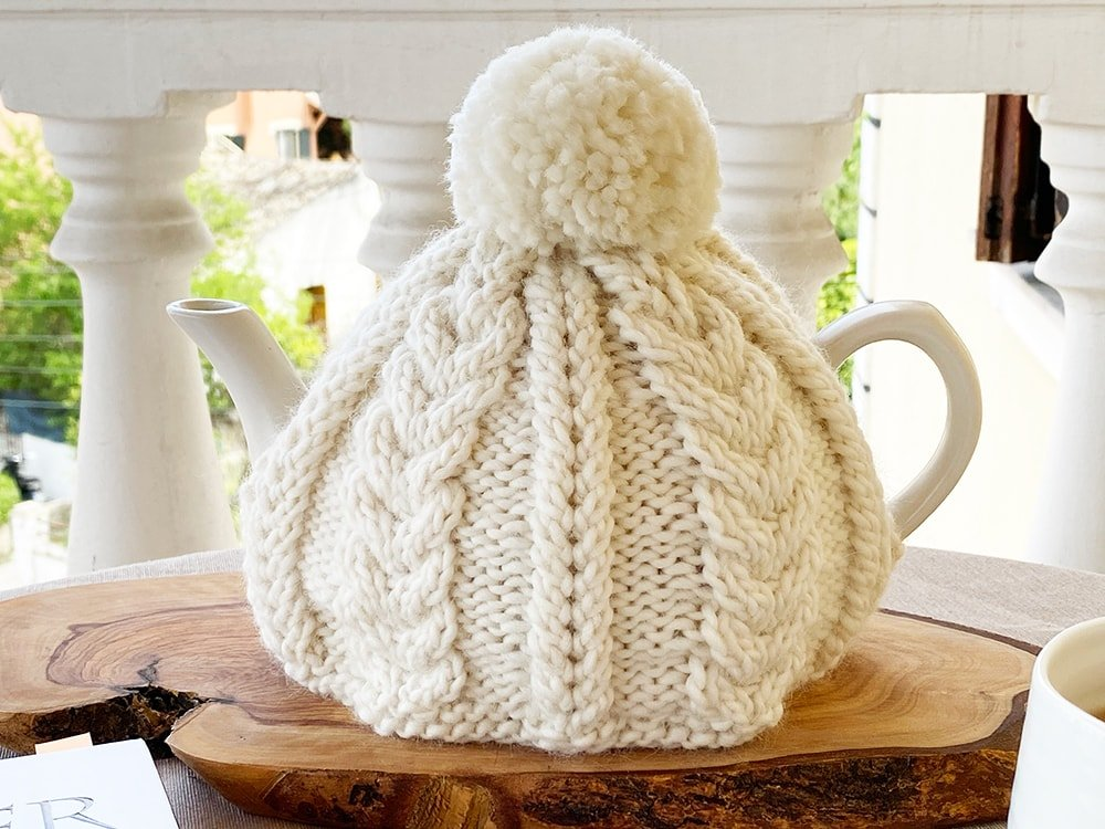 cable knit tea cosy