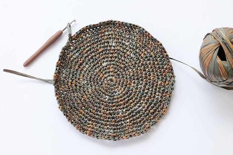 crochet circle made from raffia