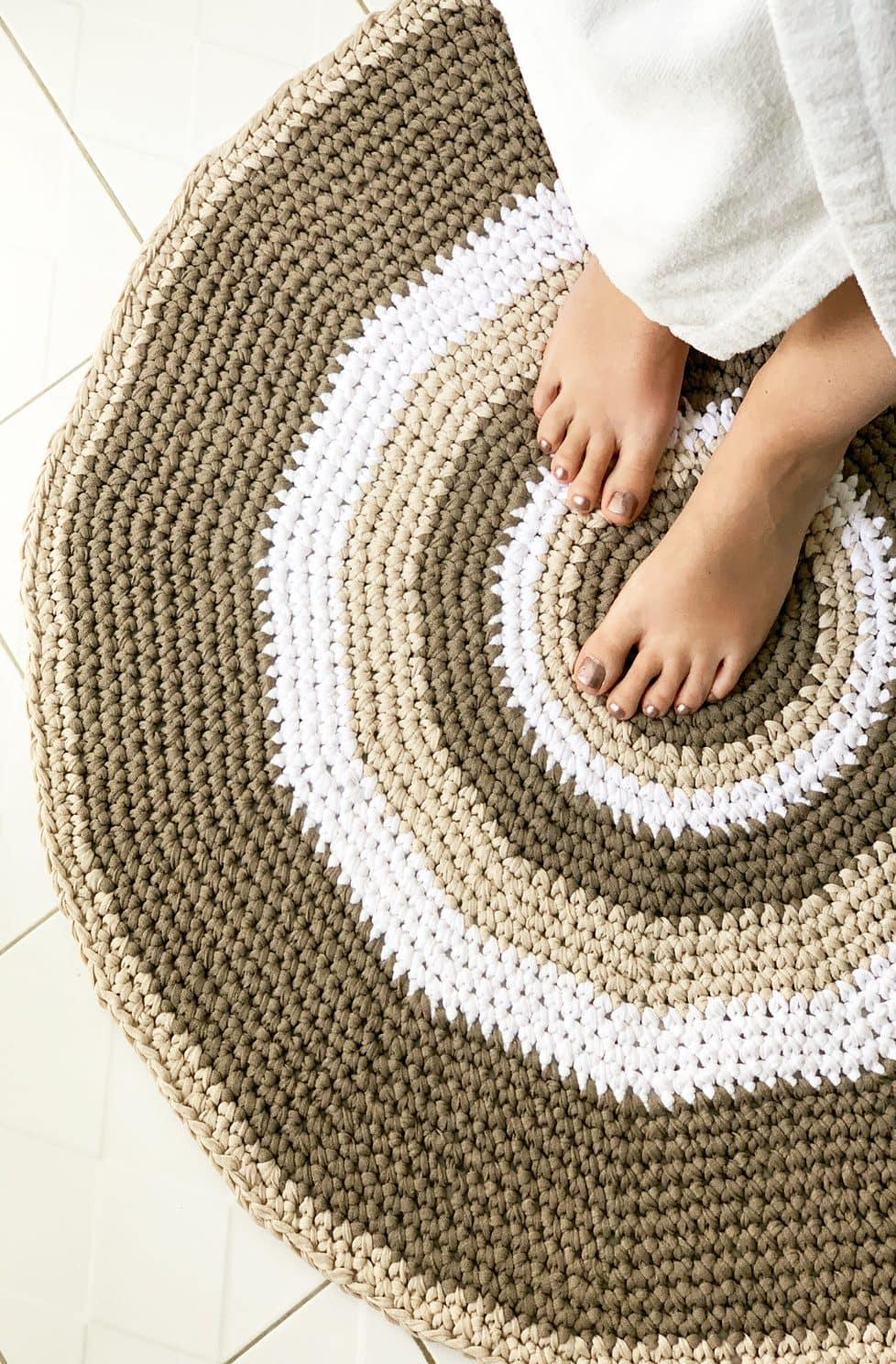 circle bathroom rug