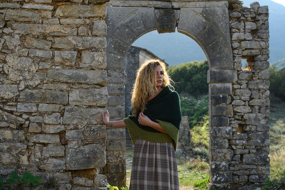 claires-shawl-outlander