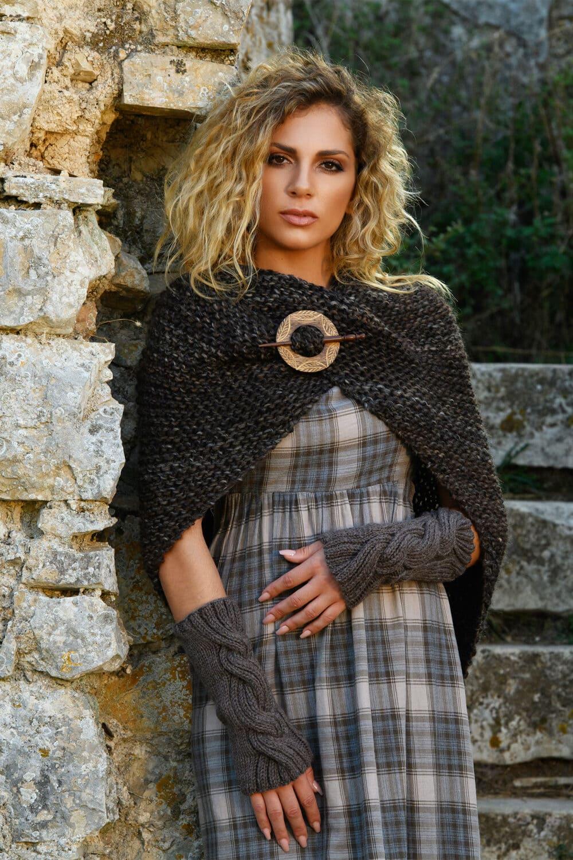 sassenach tassel shawl feat image