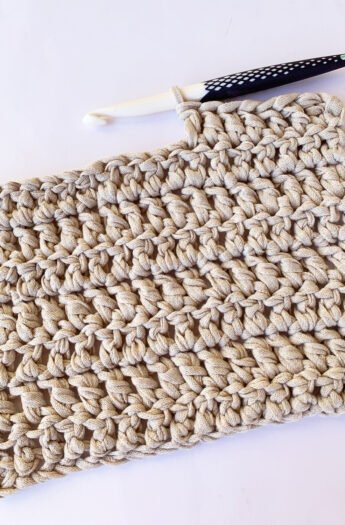 How To Double Crochet {Step By Step}
