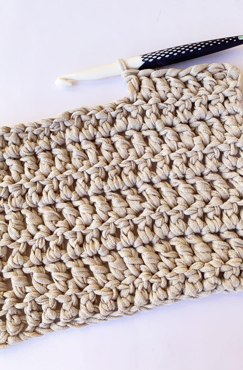 double crochet example with hook