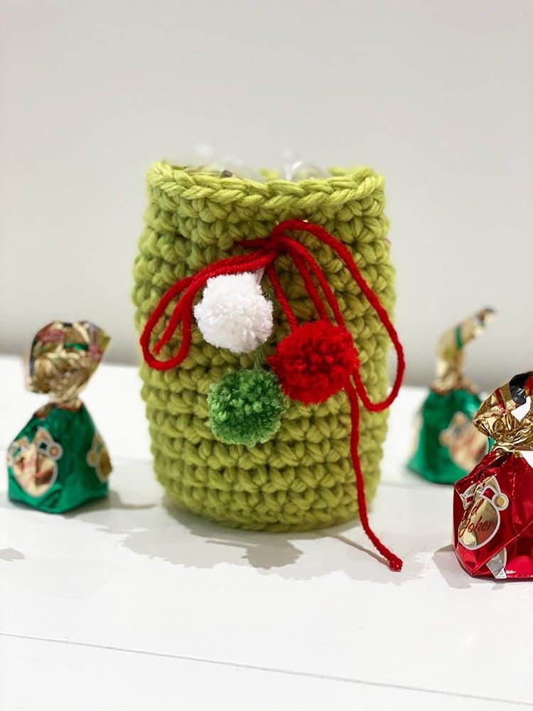 Christmas crochet gift bag in green yarn