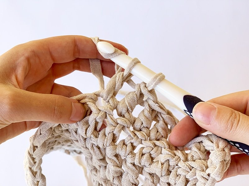 wrapping the yarn again