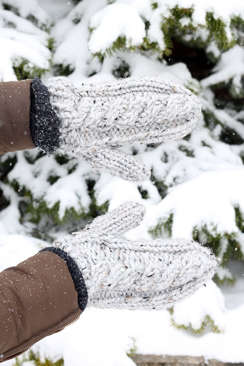 mittens that are knitted