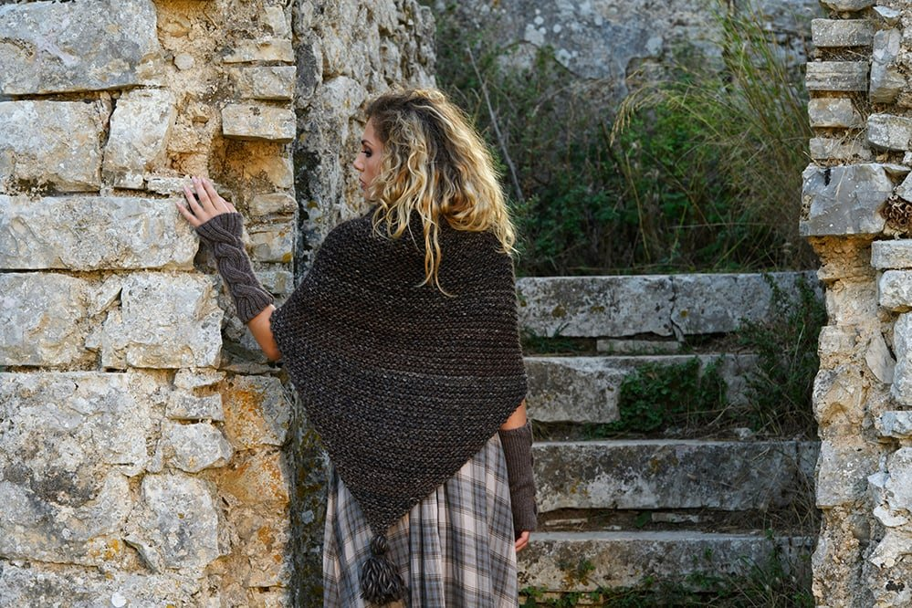 knitted-tassel-shawl-outlander-claire