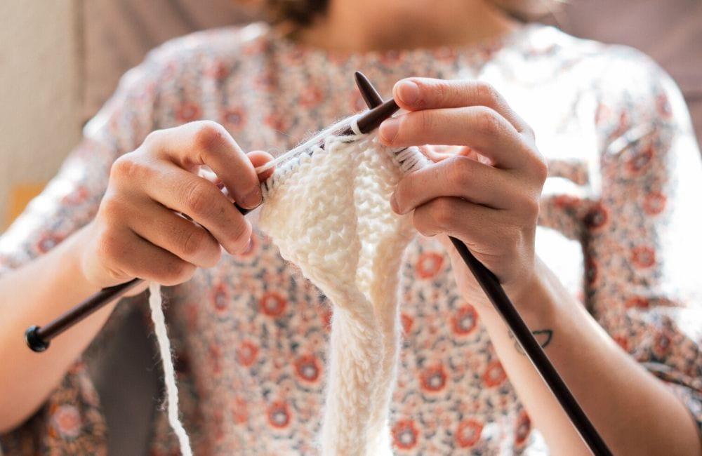 knitting with white yarn