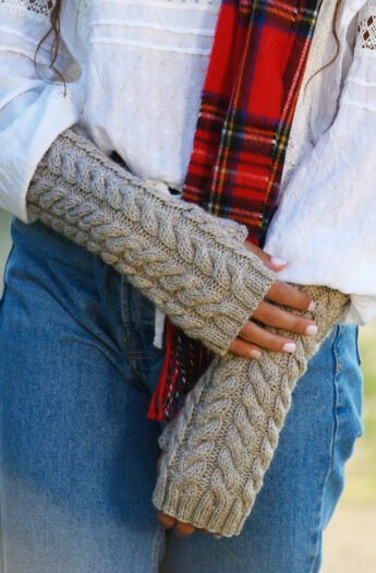 Lallybroch Fingerless Mittens Knitting Pattern