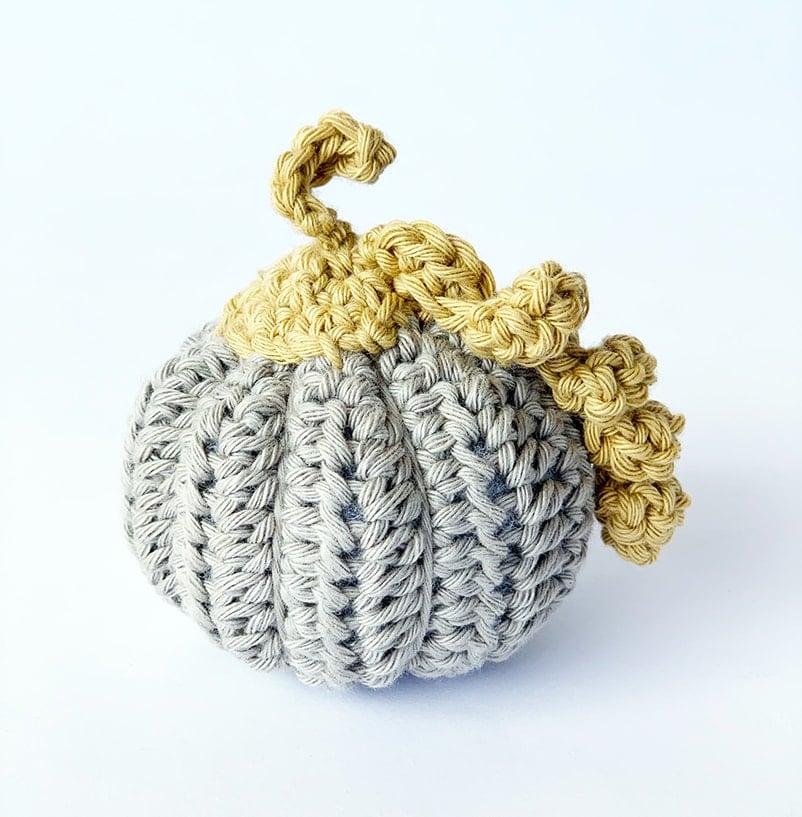mini pumpkin crochet pattern