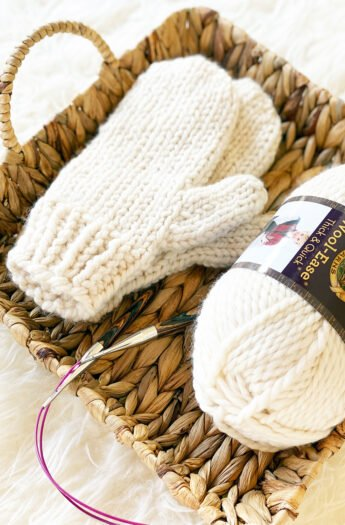 Easy Mittens Knitting Pattern