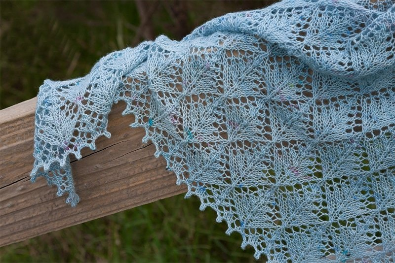 shawl with a picot edge