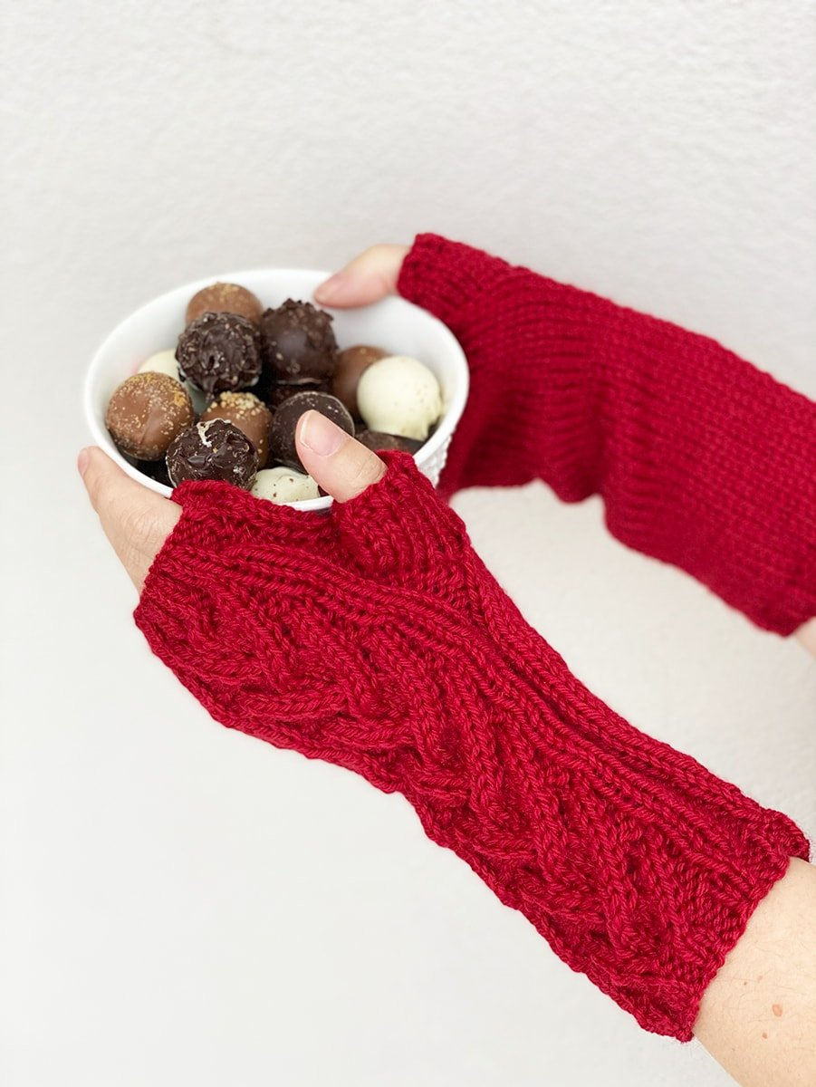 regency red cable knit fingerless gloves