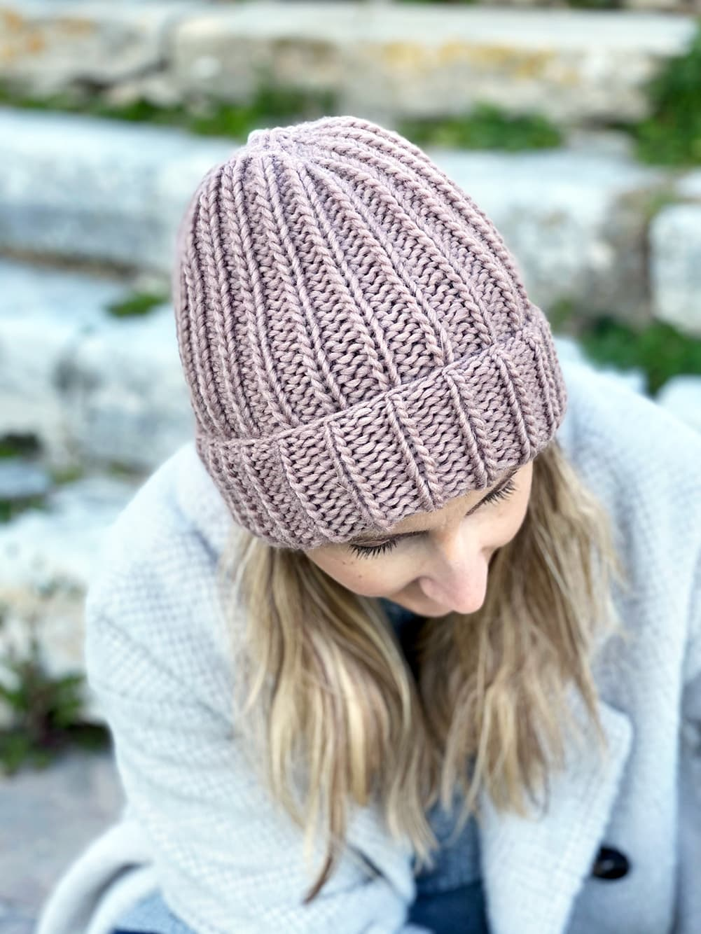 ribbed beanie in spotted mauve petite wool