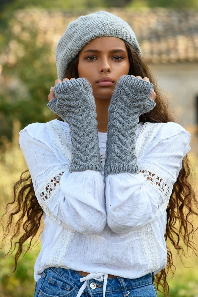 staghorn-cable-fingerless-mitts