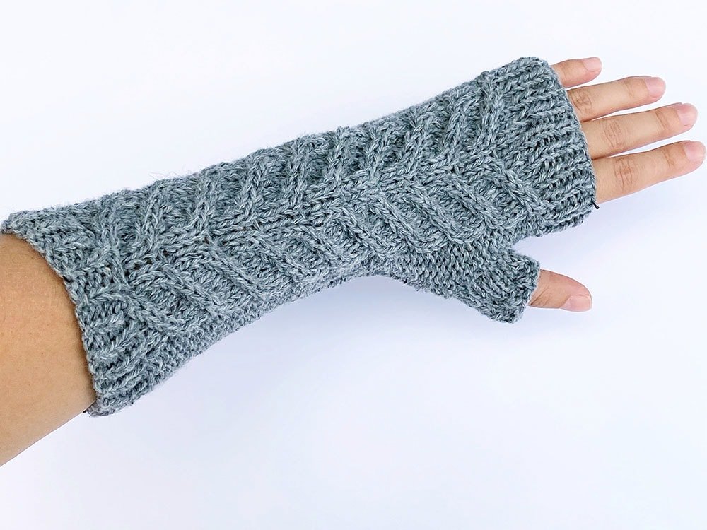 staghorn cable knit fingerless mittens