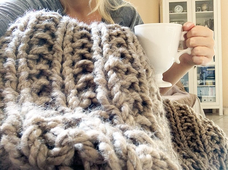super chunky knitted throw blanket