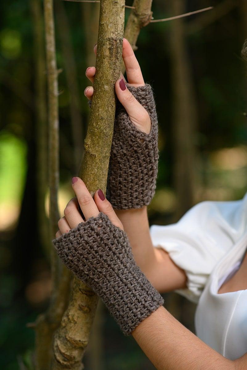 textured crochet fingerless gloves