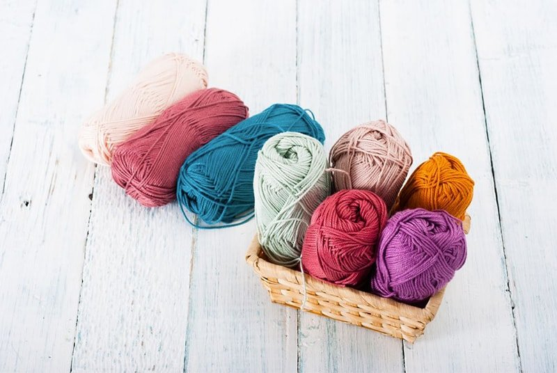 yarn basket for substituting yarn