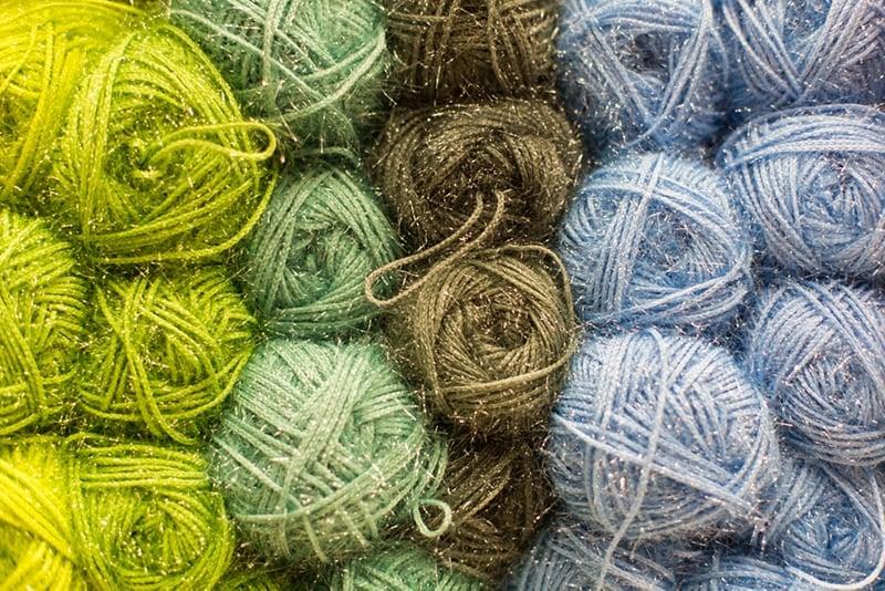 yarn with acrylic fibres